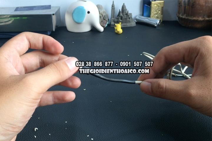 Huong-dan-khac-phuc-sac-Smartphone-bi-bong-cao-su-chi-voi-2500-VND_9.jpg