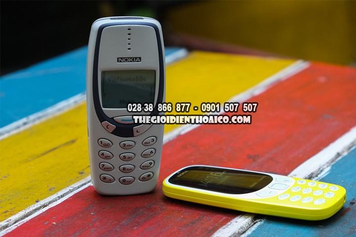 Danh-gia-su-khac-nhau-giua-Nokia-3310-2017-va-Nokia-3310-2000_3.jpg