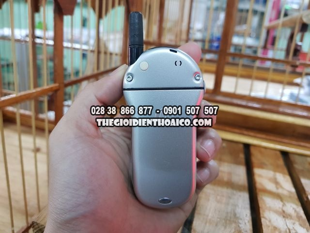 Motorola-V70-bac-dep-98-nguyen-zin-thay-vo-Ms-2272_3.jpg