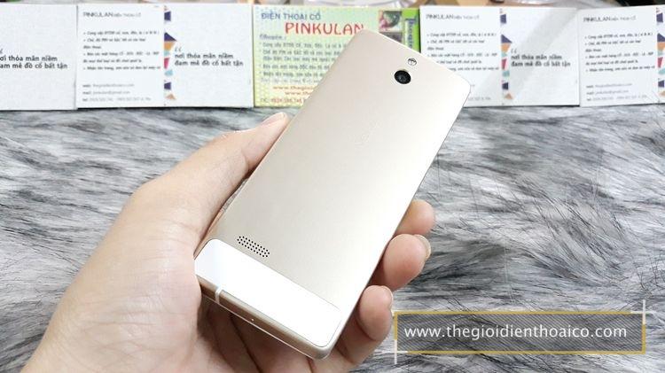 Nokia-515-mau-trang-zin-thay-vo-ma-so-3127_4.jpg