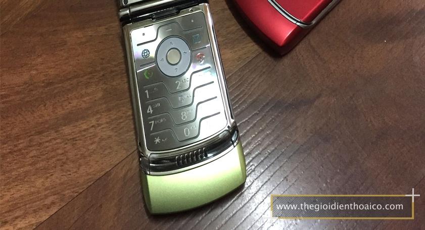 Motorola-V3i-vang_10.jpg