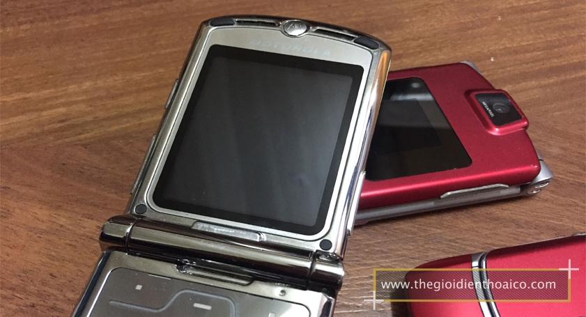 Motorola-V3i-vang_6.jpg