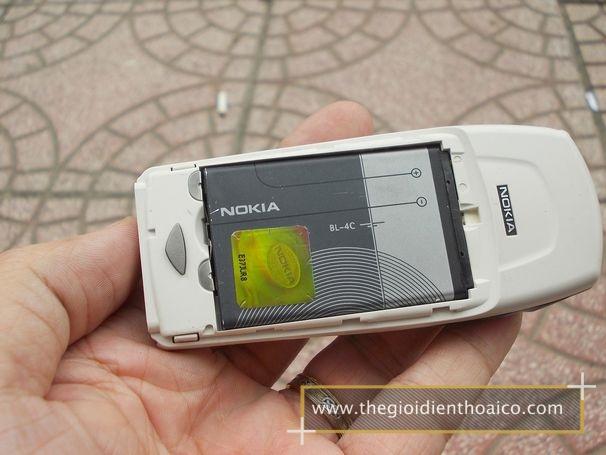 Nokia-6100_12ew0l.jpg