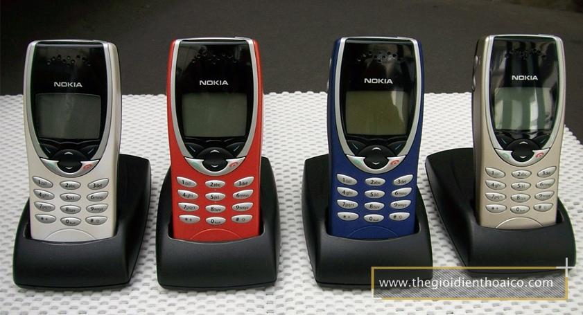 Nokia-8210-mau-bac_2.jpg