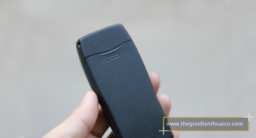 Nokia-8210-mau-den_13.jpg