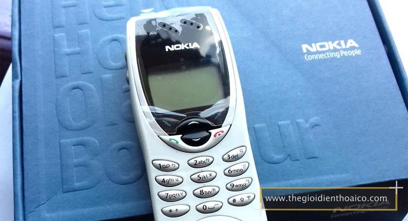 Nokia-8210-mau-trang_6.jpg