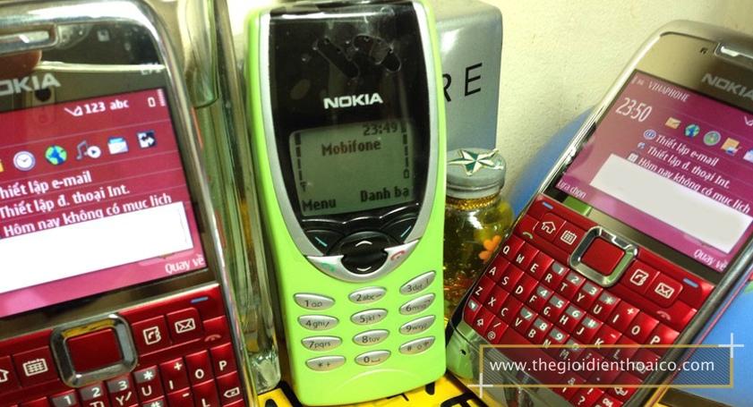 Nokia-8210-mau-xanh-la-nhat_6.jpg