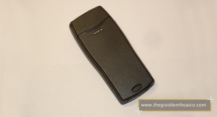 Nokia-8210-mau-xanh_2.jpg