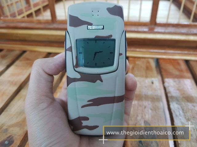 Nokia-8910-kem-quan-doi_16.jpg