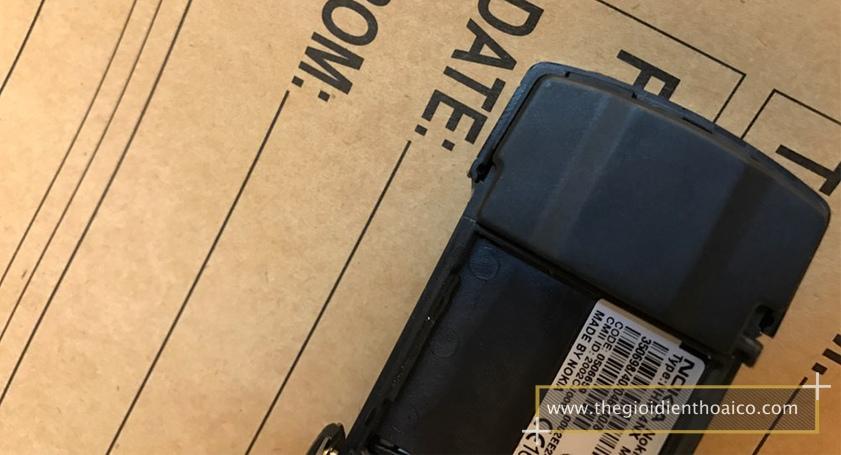 Nokia-8910-mau-bac_3.jpg