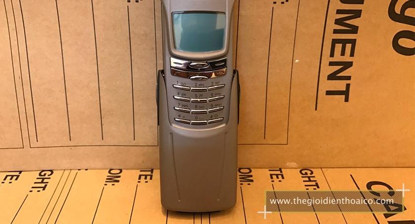 Nokia-8910-mau-bac_4.jpg