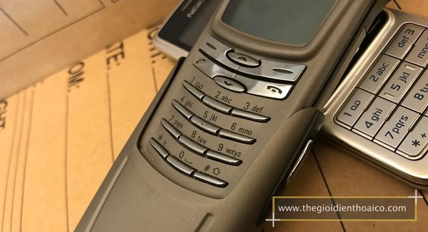 Nokia-8910-mau-bac_9.jpg