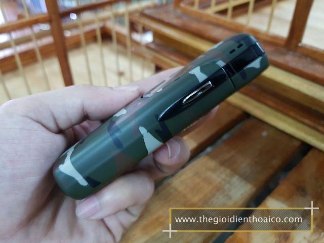 Nokia-8910i-Camo-Quan-Doi_4.jpg