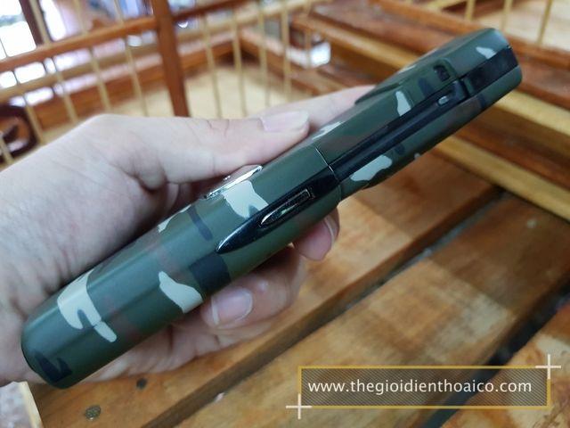 Nokia-8910i-Camo-Quan-Doi_6.jpg
