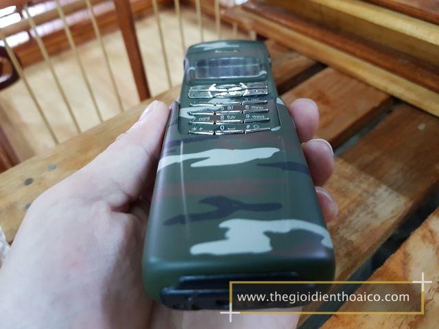 Nokia-8910i-Camo-Quan-Doi_9.jpg