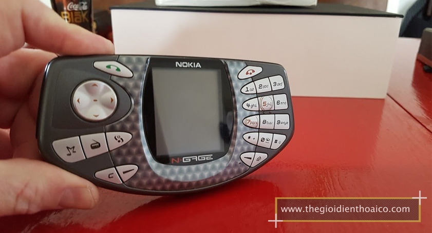Nokia-Ngage-Classic_1205AVs.jpg