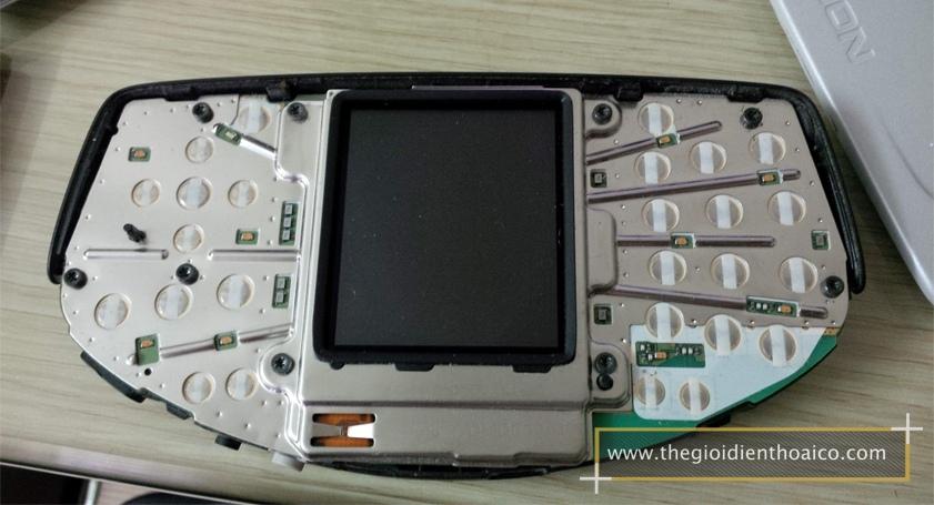 Nokia-Ngage-Classic_16F3Zzy.jpg