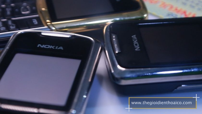 Nokia-8800-anakin-chinh-hang-nguyen-zin-suu-tam-dien-thoai-co_22.jpg