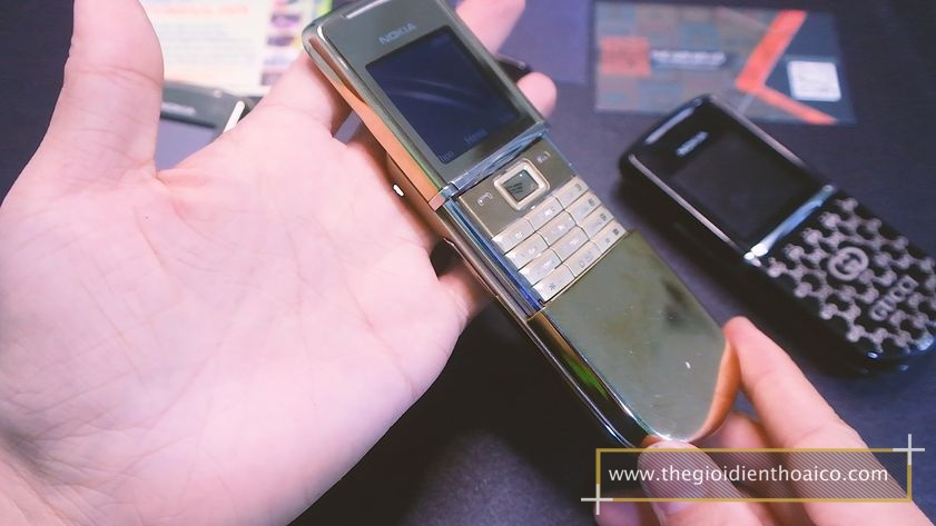 Nokia-8800-Sirrocco-nguyen-zin-chinh-hang-suu-tan-dien-thoai-co_17.jpg