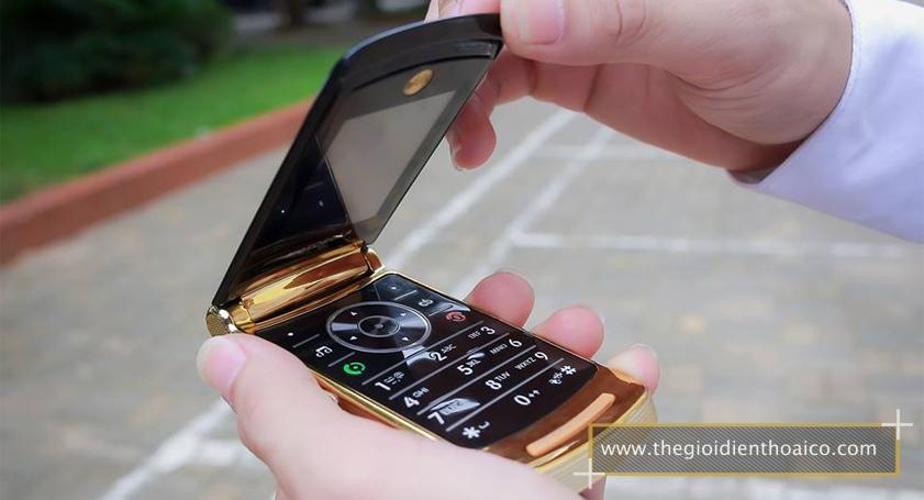 Motorola-V8_1.jpg