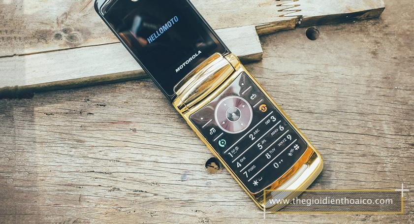 Motorola-V8_2.jpg
