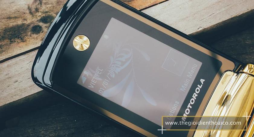 Motorola-V8_6.jpg