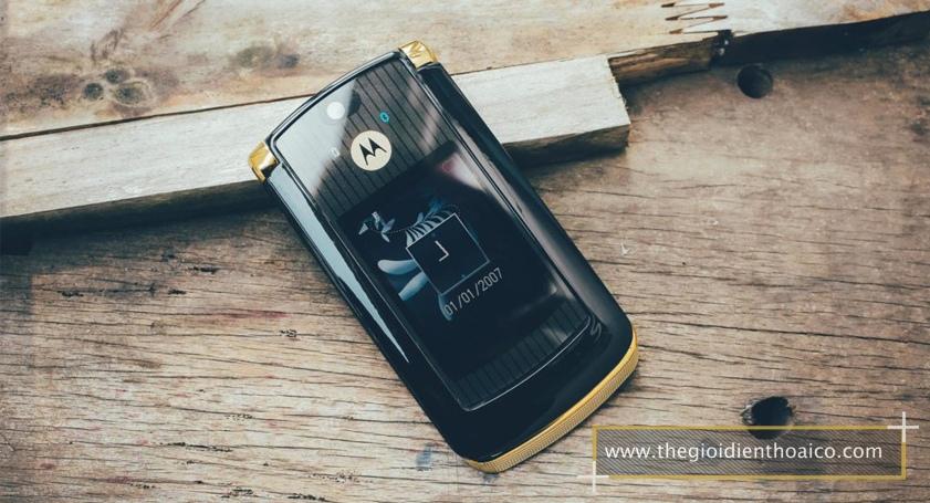 Motorola-V8_7.jpg
