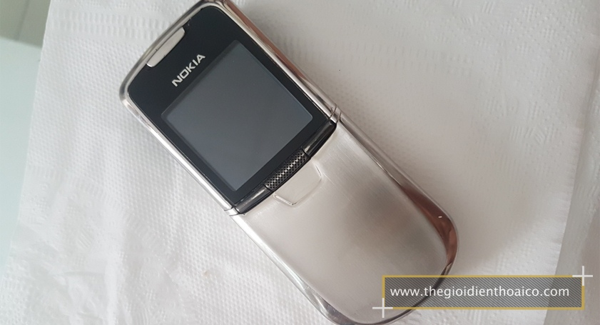 Nokia-8800-mau-bac_1.jpg
