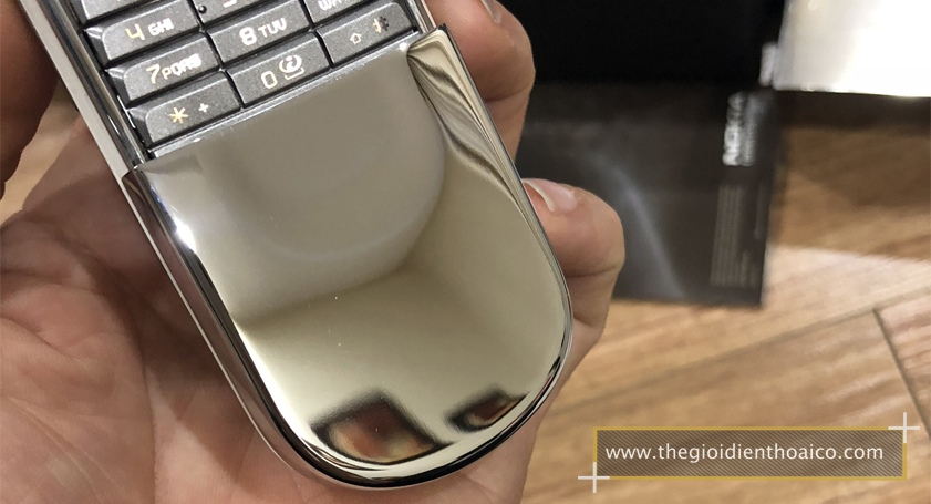 Nokia-8800Sirocco-mau-Vang_2.jpg
