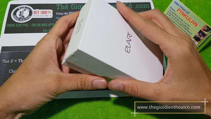 Elari-NanoPhone_1.jpg