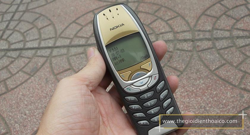 Nokia-6310i-mau-den_2.jpg