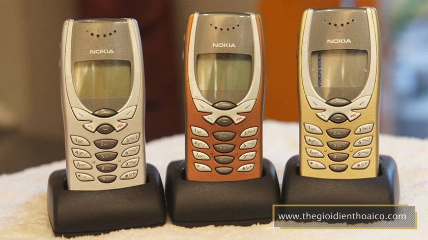 Nokia-8250_2.jpg