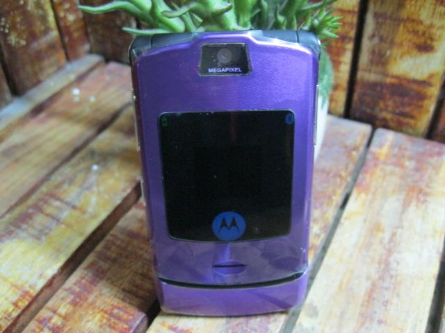 Motorola V3i Tím Đẹp 98% MS 1819