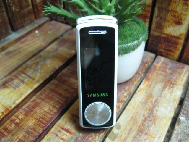 Samsung F210 Siêu Độc MS 1837