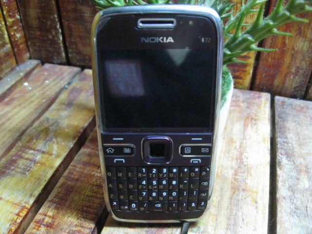 Nokia E72 Màu Tía MS 1846