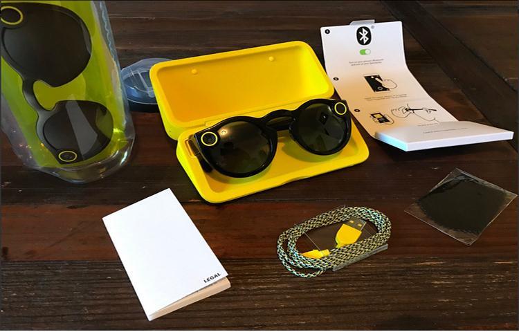 Kính mát của Snapchat cháy hàng, eBay đội giá lên mức 20 triệu đồng!