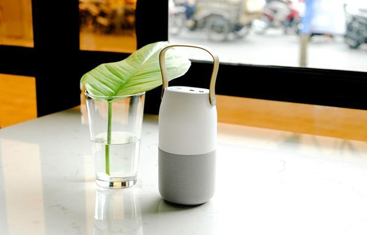 Loa Bluetooth đổi màu: Âm thanh 360 độ, tính di động cao