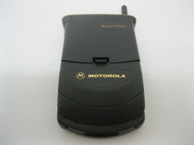 Motorola Startac X màu đen, thon gọn MS 2018