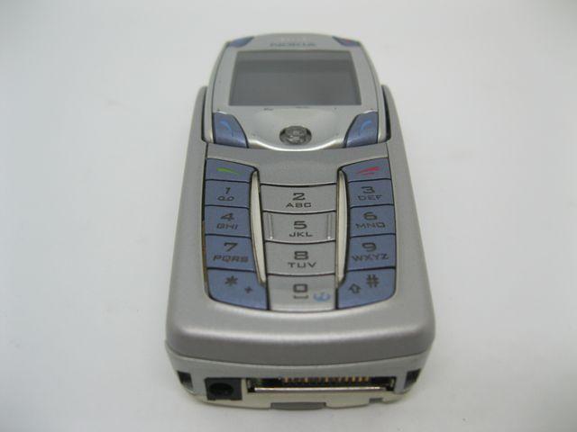 Nokia 6820a màu bạc xanh bàn phím Qwerty, đẹp 99% MS 2026