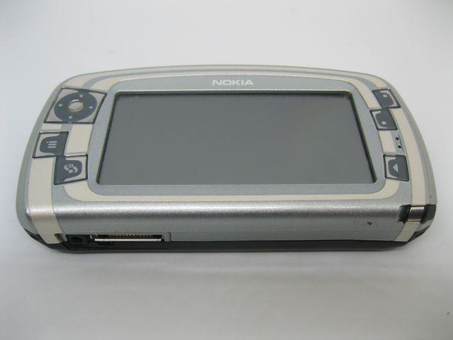 Nokia 7710 Finland màu bạc cảm ứng siêu độc, đẹp 98% MS 2033
