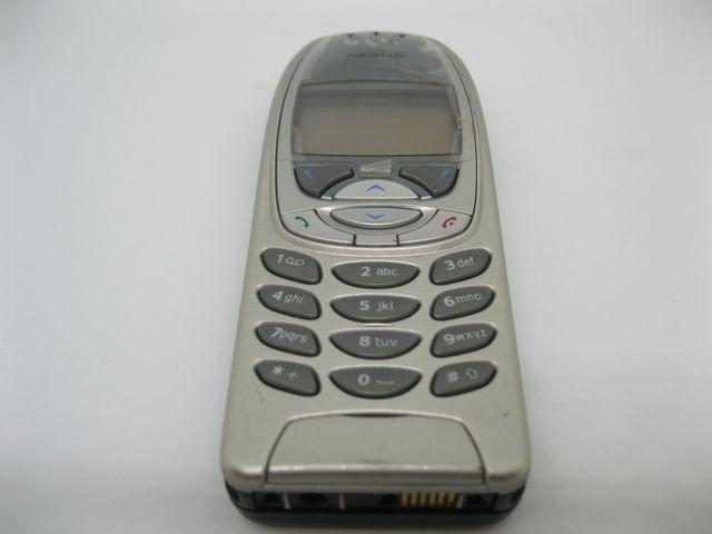 Nokia 6310i màu bạc nguyên zin, đẹp 96% MS 2041