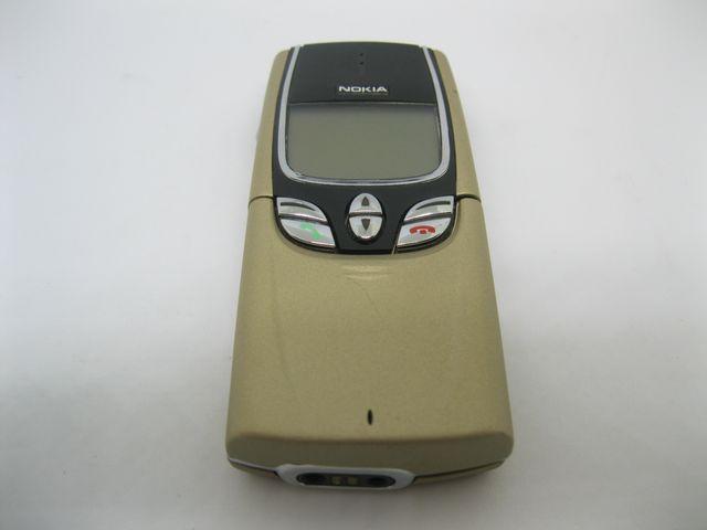Nokia 8850 màu vàng nguyên zin, đẹp 97% MS 2044