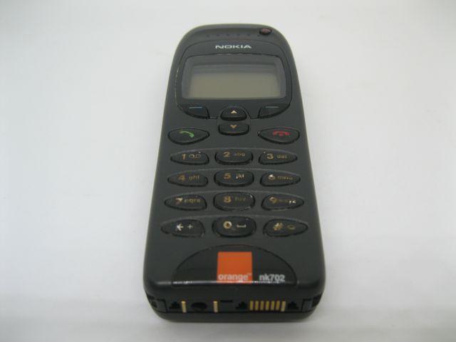 Nokia 6130 màu đen Orage nguyên zin, đẹp 95% MS 2045