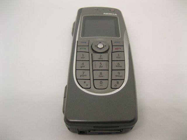 Nokia 9300i màu xám nắp gập ngang nguyên zin, đẹp 99% MS 2059