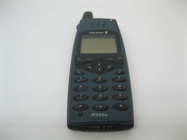 Ericsson R320S màu xám xanh nguyên zin, đẹp 95% MS 2060