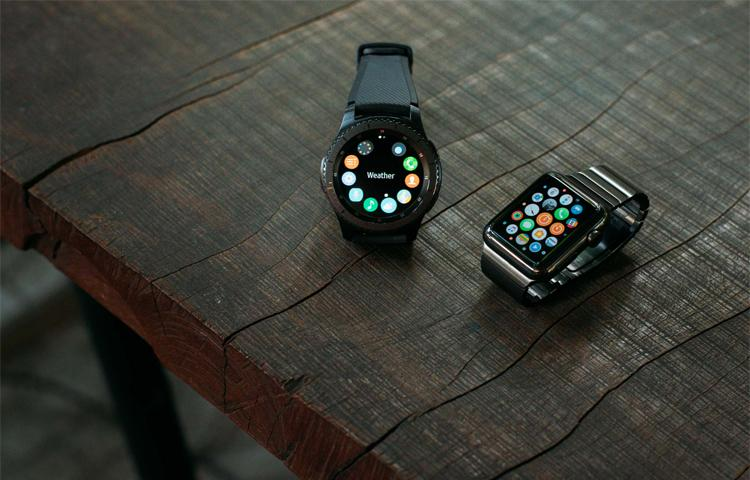 So sánh Apple Watch Series 2 và Samsung Gear S3