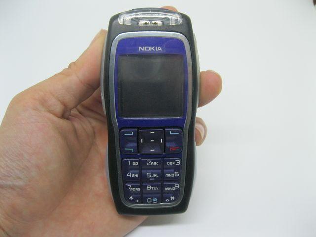 Nokia 3220 màu xanh đen mới 99%