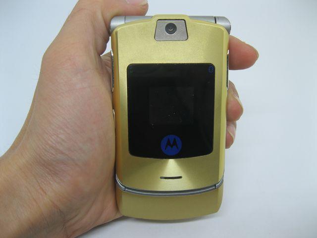 Motorola V3i Gold đẳng cấp theo thời gian MS 2066