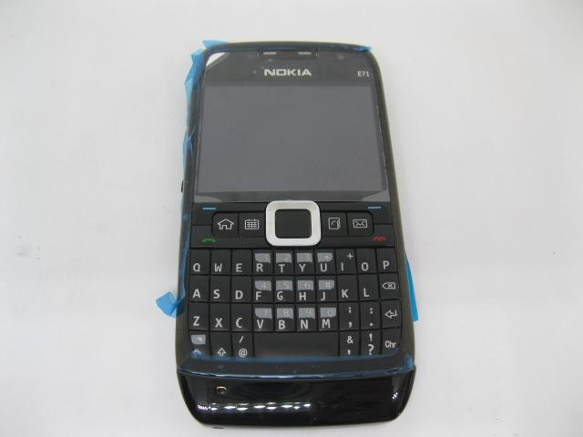 Nokia E71 huyền thoại Qwerty của Nokia màu Đen