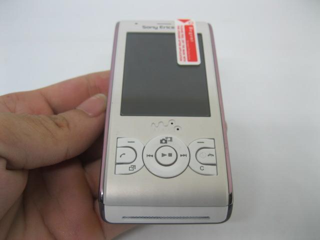 Sony Ericsson W595 ông hoàng nghe nhạc màu Trắng